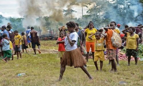 INDONEZJA / Papua Zachodnia / Dekai /  W Dekai na festynie dla okolicznych plemion:)