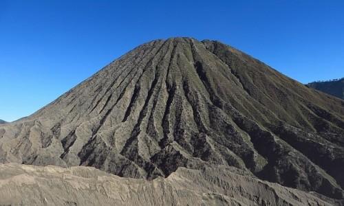 INDONEZJA / Jawa / kaldera Tengger / wulkan Batok
