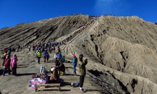 Zdjecie INDONEZJA / Jawa / kaldera Tengger / wejście na wulkan Bromo