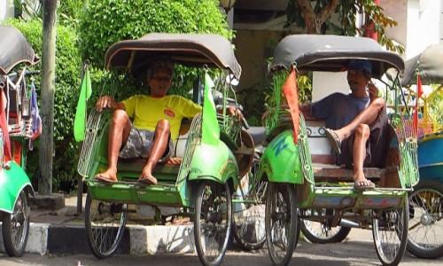 INDONEZJA / Jawa / Yogyakarta / becak - indonezyjska taksówka