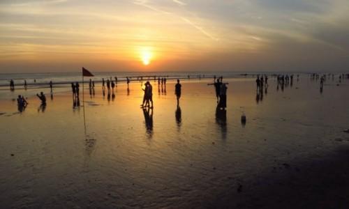 Zdjęcie INDONEZJA / Bali / Kuta / zachód Słońca