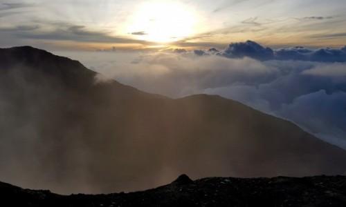 Zdjecie INDONEZJA / Sumatra Zachodnia / Gunung Marapi / Wschód słońca ze szczytu Marapi