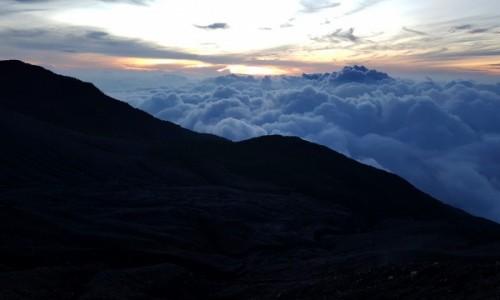 Zdjecie INDONEZJA / Sumatra Zachodnia / Gunung Marapi / Wschód słońca z wulkanu