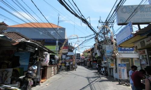 Zdjecie INDONEZJA / Bali / Kuta Pantai / Uliczka handlowa