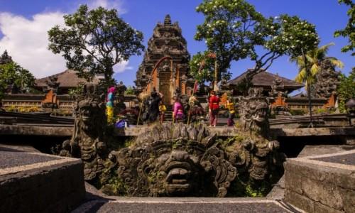 INDONEZJA / Bali, Ubud / Pura Taman Saraswati / Świątynia Saraswati