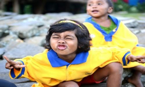 Zdjecie INDONEZJA / wyspa Flores / Wae Rebo / Modelka