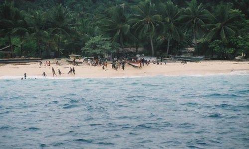 Zdjecie INDONEZJA / West Papua / Biak-Moasbipondi / Równikowa wyspa