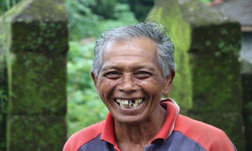 Zdjecie INDONEZJA / Indonezja / BALI / SZCZERE UŚMIECHY