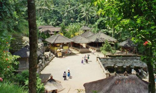 Zdjecie INDONEZJA / Bali / jedna z tysiaca swiatyn / swiatynia