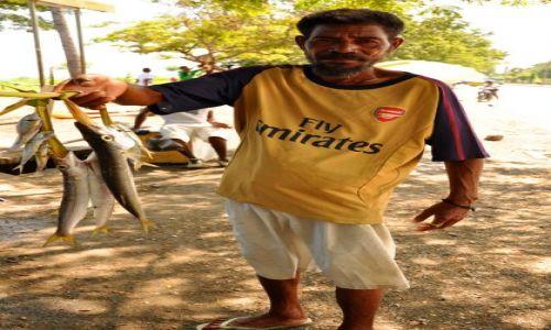 Zdjęcie INDONEZJA / Demokratyczna Republika Timor Leste / Dili / Pan z Rybami 2