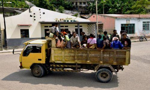 Zdjęcie INDONEZJA / Demokratyczna Republika Timor Leste / Dili / W drodze do miasta
