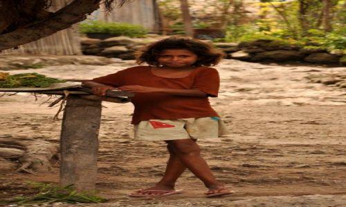 Zdjęcie INDONEZJA / Demokratyczna Republika Timor Leste / Baucau / Dziewczynka