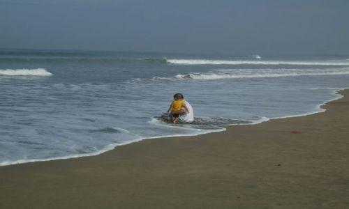 Zdjęcie INDONEZJA / Bali / Kuta / ... na plaży...