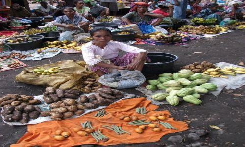 Zdjęcie INDONEZJA / Lembata / Ulon Doni / ... tylko barter ...