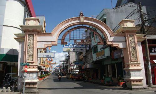Zdjęcie INDONEZJA / Clelbes (Sulawesi) / Makasar / ... złota uliczka ...