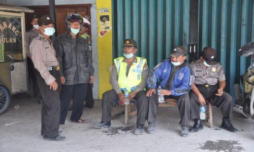 INDONEZJA / Java / Yogyakarta / Kaliurang / Skutki wybuchu jawajskiego wulkanu Merapi