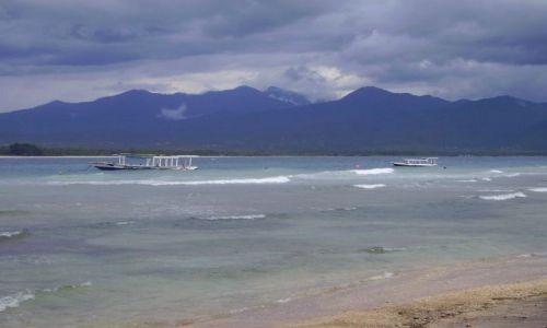 Zdjęcie INDONEZJA / Gili Air / wysepka Gili Air / widok na Lombok z Gili Air