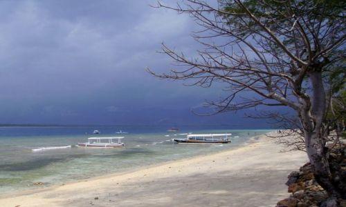 Zdjęcie INDONEZJA / Gili Air / wysepka Gili Air /  plaża na Gili Air
