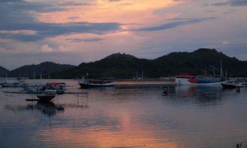 Zdjęcie INDONEZJA / Flores / Labuanbajo / ... przed wschodem ...