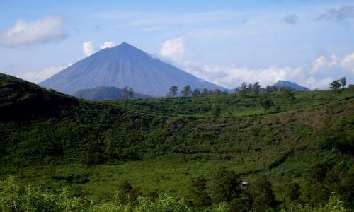 Zdjecie INDONEZJA / Flores / Bajawa, okolice / ... stary z okolic nowego ...
