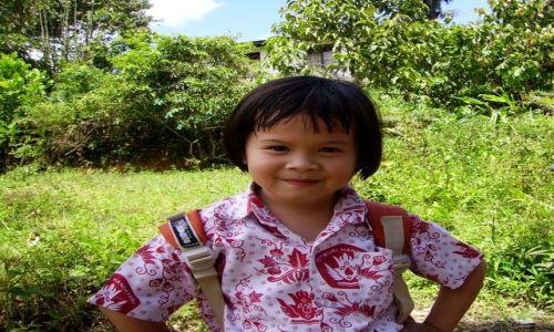 Zdjecie INDONEZJA / Sulawesi Południowe / okolice Rantepao / odważna i wesoła