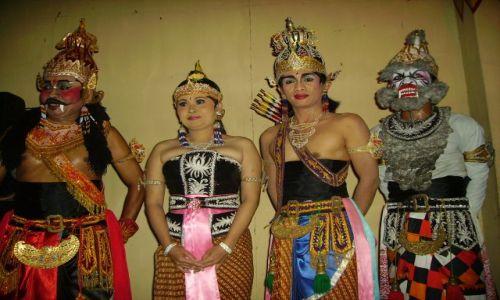 Zdjęcie INDONEZJA / Jawa / Yogyakarta / tancerze z balety Ramayana