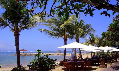 Zdjecie INDONEZJA / Bali / Sanur / na plaży w Sanur