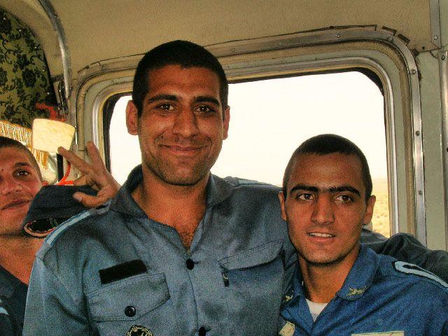 Zdjęcia: Autobus Esfahan - Kashan, Irańczycy, IRAN