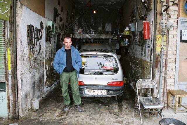 Zdjęcia: Srodkowo-zachodni iran, Typowy warsztat samochodowy., IRAN