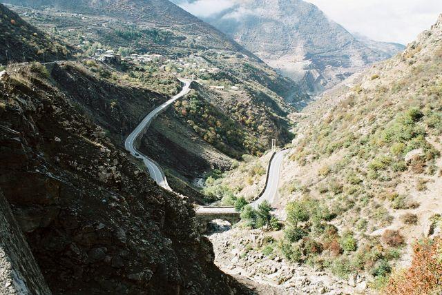 Zdjęcia: Droga z teheranu nad morze kaspijskie, Gory Iranu, IRAN