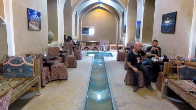 Zdjęcia: Jazd, Kawiarnia w ogrodzie Dolat Abad, IRAN
