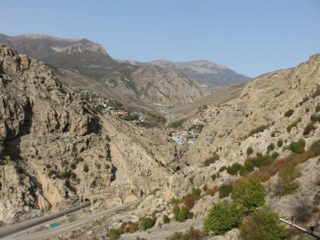 Zdjęcia: Trasa Teheran - Sari, Północ, Góry Alborz - widok z pociągu, IRAN