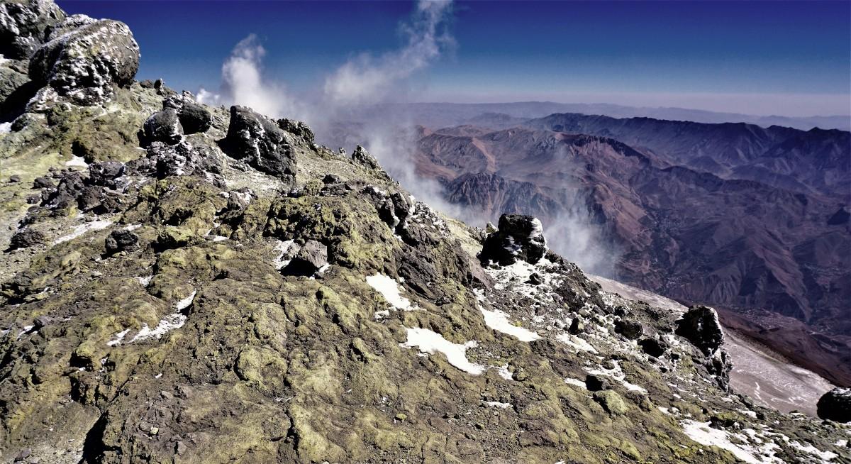 Zdjęcia: Demawend, Góry Elburs, Siarkowe wyziewy na szczycie Demawend, IRAN