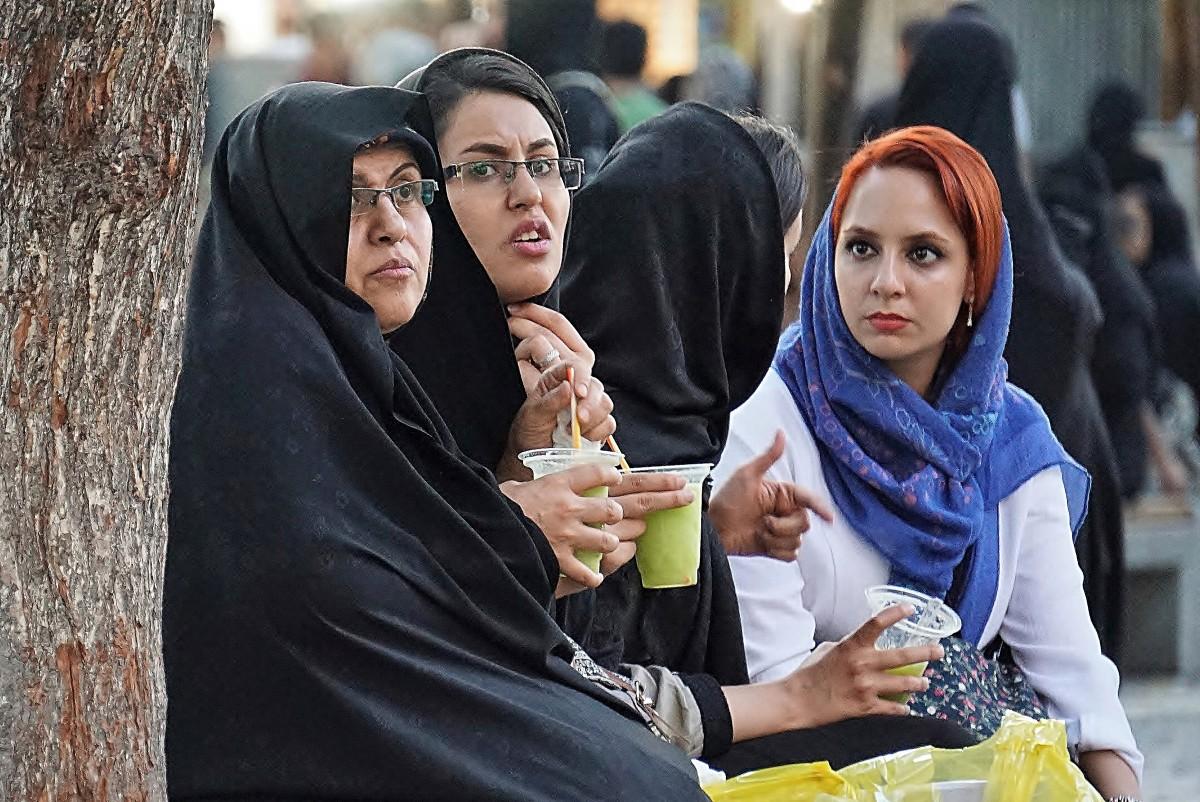 Zdjęcia: Wielki Bazar , Teheran, Czarna owca po irańsku (-:, IRAN