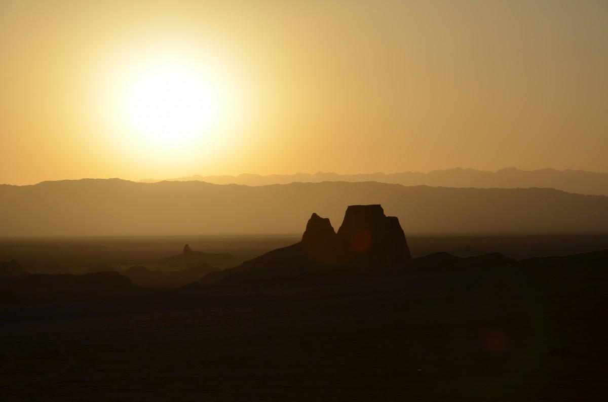 Zdjęcia: Kalut, Kerman, Zachód słońca na pustyni, IRAN