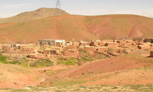 IRAN / brak / trasa Zanjan Takht-e Soleiman / ira�skie krajobrazy (44)