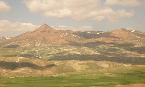IRAN / brak / trasa Zanjan Takht-e Soleiman / ira�skie krajobrazy (45)