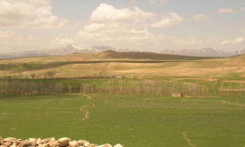 IRAN / brak / Takht-e Soleiman / ira�skie krajobrazy (51)