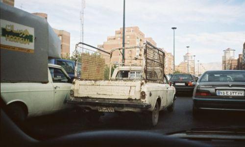 Zdj�cie IRAN / brak / Teheran / samochody w teheranie