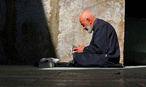 Zdjecie IRAN / Esfahan / Esfahan / modlitwa