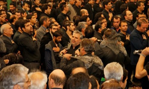 IRAN / Isfahan / w meczecie / Aszura - biczowanie si�