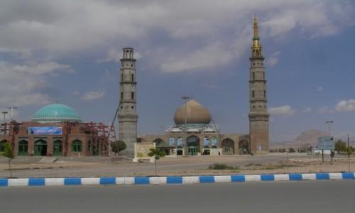 Zdjecie IRAN / Iran wschodni / Droga Kerman -Shiraz / kolejny meczet