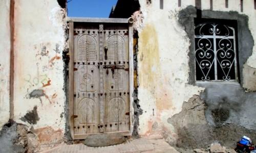 Zdjęcie IRAN / Wyspa Hormoz / Północne wybrzeże / Ściana, jak ściana ale drzwi!