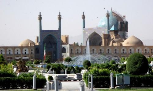 IRAN / Esfahan / Plac Imamma Chomeiniego / Czekaj�c na wiernych