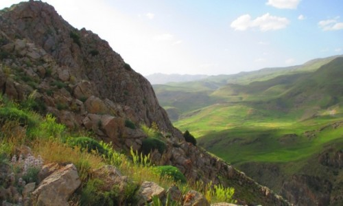Zdjecie IRAN / Okolice wsi Polour / Pobliskie g�ry / Zbocze