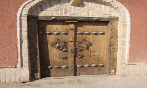 IRAN / Varzaneh / Varzaneh / Drzwi do naszego domu
