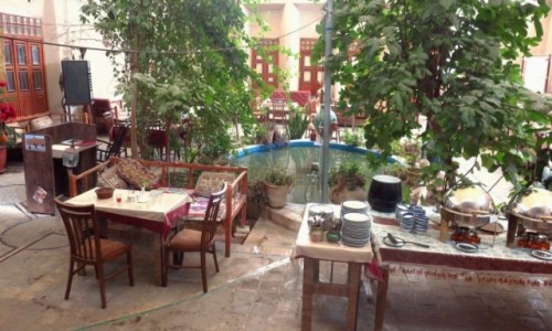 IRAN / - / Jazd / Dziedziniec hotelu Silk Road