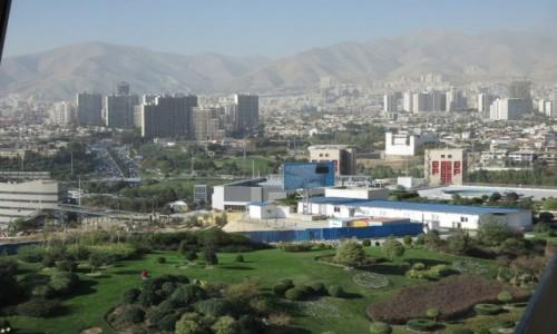 IRAN / - / Teheran / Widok z wieży Milad na Teheran północny