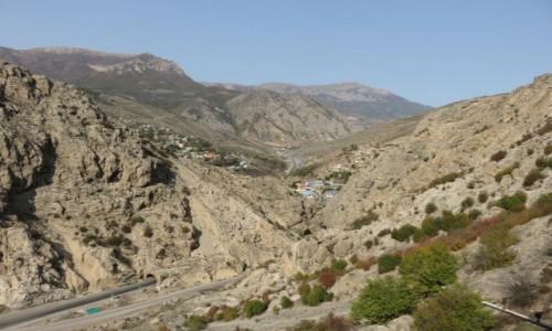 Zdjęcie IRAN / Północ / Trasa Teheran - Sari / Góry Alborz - widok z pociągu