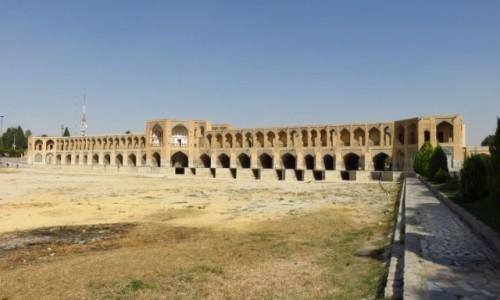 Zdjecie IRAN / - / Isfahan / Zabytkowy most Khaju